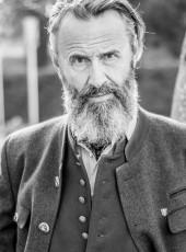Horst B.