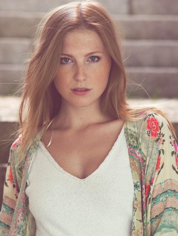 Laura Mar.